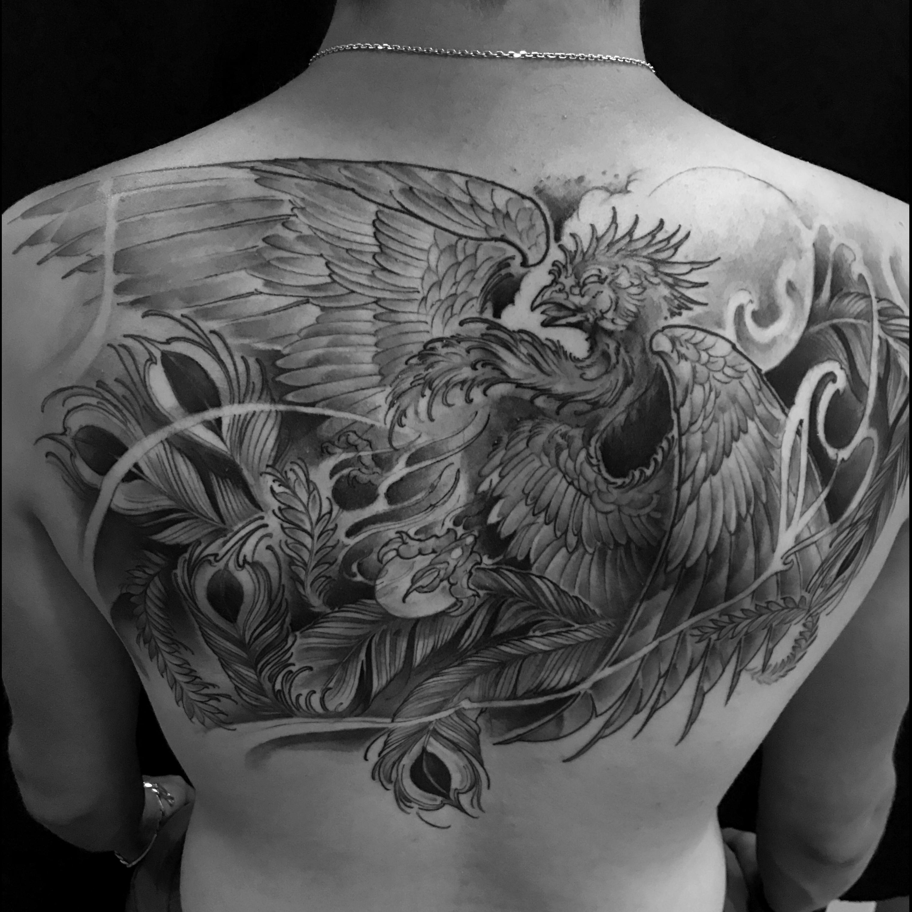Tatouage Oreille Femme concernant kahuna studio - tatouage & piercing